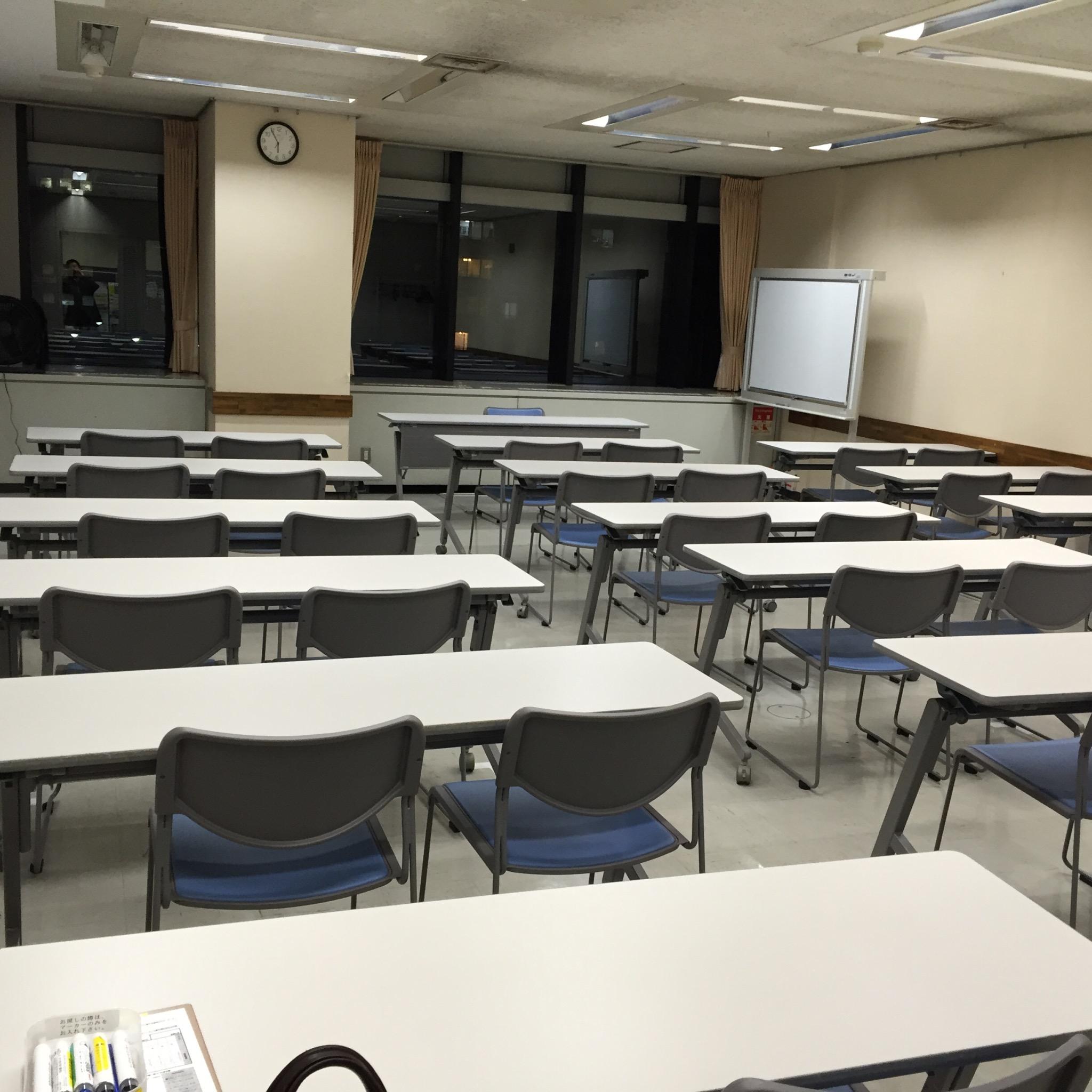 横浜市市民活動支援センター会議室